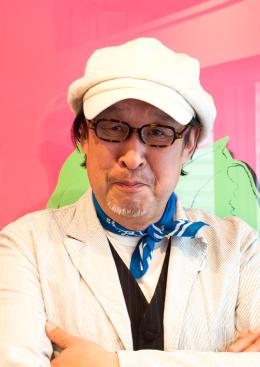 青柳さんにオーダー頂いた鼈甲眼鏡をお掛け頂き記念撮影。