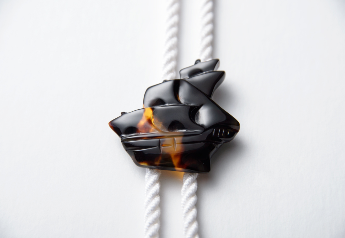 茨甲帆船彫り ループタイ