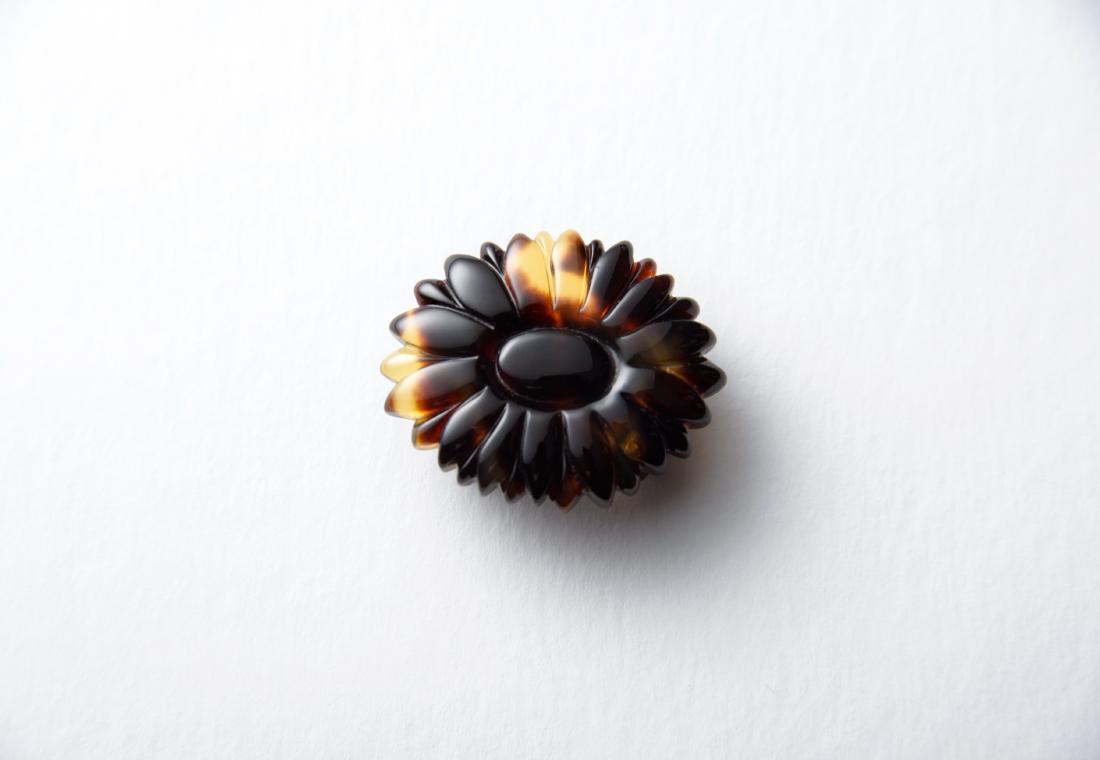 デイジー(雛菊) 茨甲帯留め 鼈甲足
