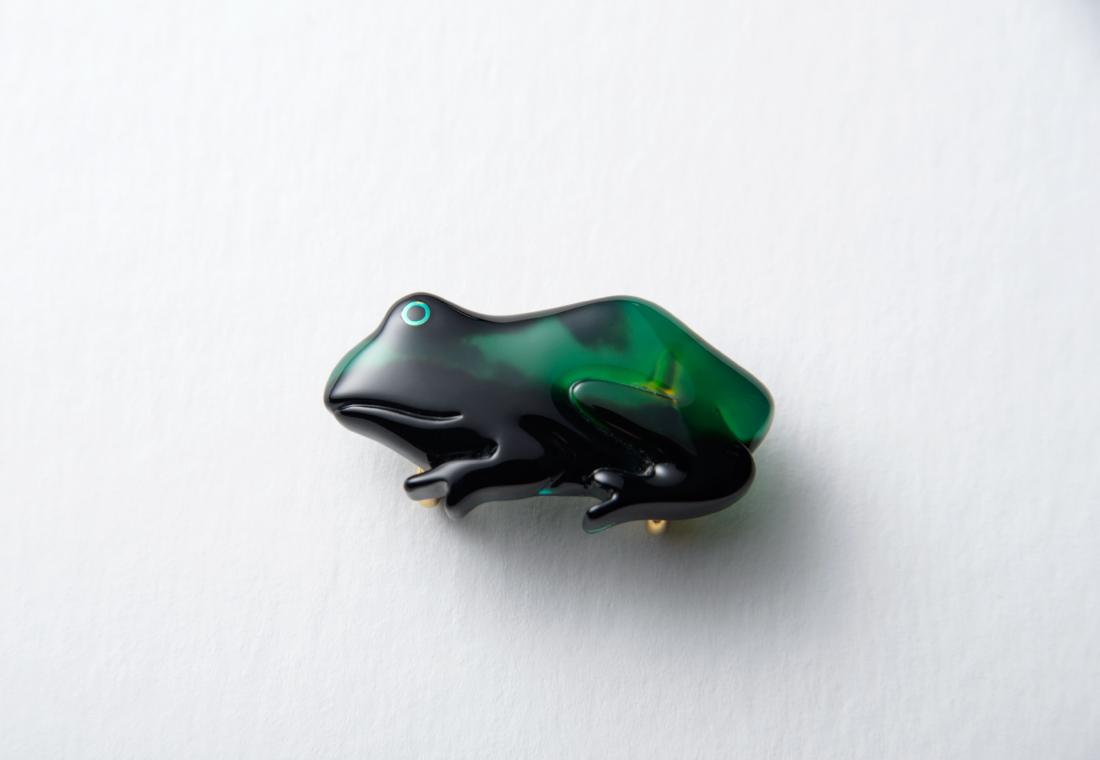 茨甲蛙帯留め グリーンカラーコート